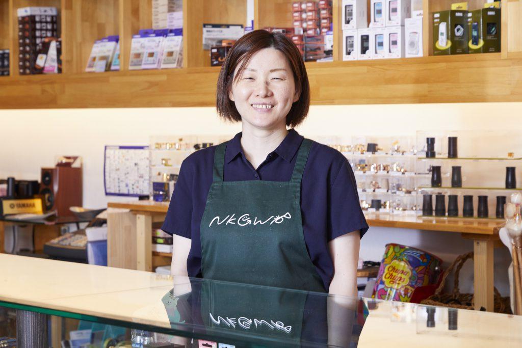 成山 恵子